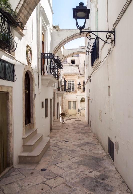#autenticoitaliano, #hiddenspots, #cummerse, #Locorotondo, #typicalhouses, #hills, # italianvillage, #trulli