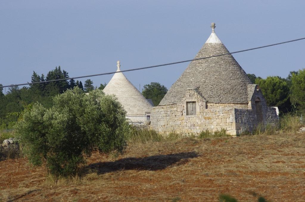 #autenticoitaliano, #hiddenspots, #trulli, #typicalhouses, #hills, # italianvillage