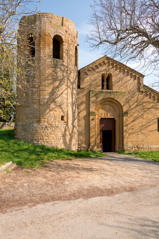 #Pieve, #Pienza, #Romanesquechurch, #Toscana, #hiddenspots, #Orcia